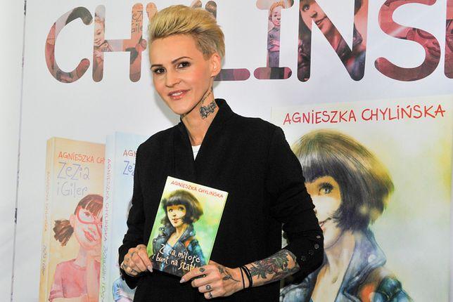 Agnieszka Chylińska jest nie tylko znakomitą wokalistką, ale również początkującą pisarką