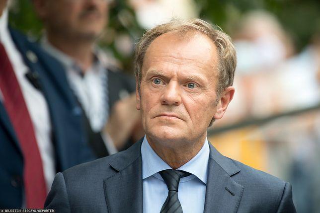 Media: Tusk chce wygrać marginalizując Morawieckiego