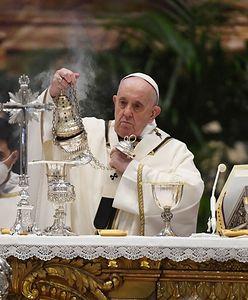 Wielki Czwartek. Media: Papież Franciszek odprawił mszę w domu ukaranego kard. Becciu