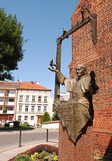 Pomnik Jana Pawła II w Oleśnicy