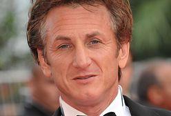 Sean Penn: świetny aktor ale ze skłonnością do agresji. Za pobicie fotografa trafił do więzienia