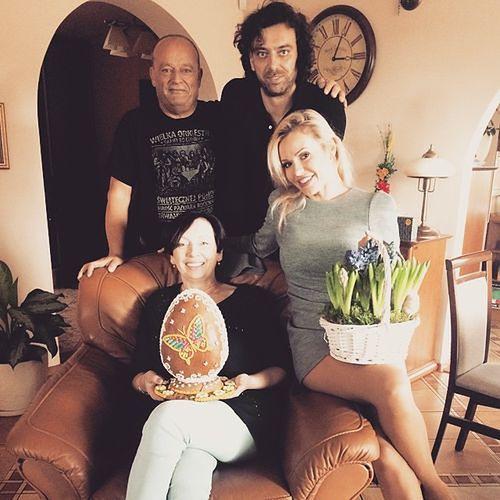 Doda, Emil Haidar z rodzicami