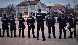 Wrocław. Policja musiała interweniować pod stadionem. Dwie osoby zatrzymane