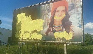 Świdnica. Kolejny przejaw homofobii. Zdewastowano billboard wspierający nastolatków LGBT