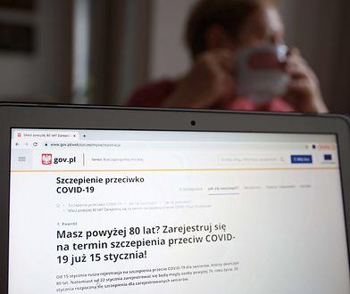 Szczepienia na COVID. #WrocławSięSzczepi. Miasto zapewnia transport do punktów szczepień