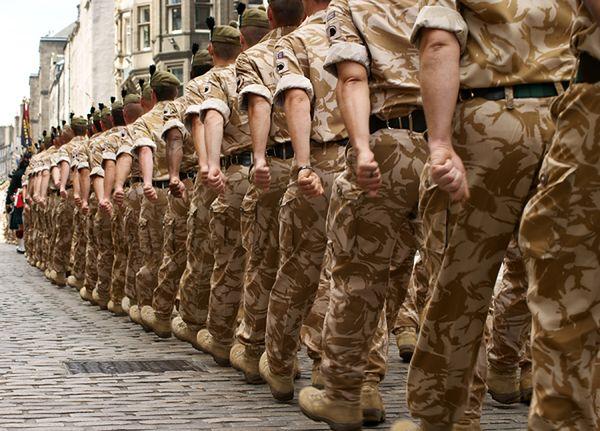 Ostrzeżenie dla żołnierzy NATO: uważajcie na rosyjskie agentki