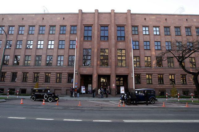 Sejm przyjął nowelizację ustawy o służbie zagranicznej