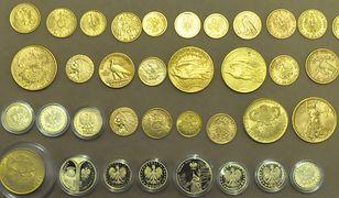 Wśród łupu włamywacza znajdziemy m.in. kolekcję monet, ale również biżuterię i inne drogocenne przedmioty