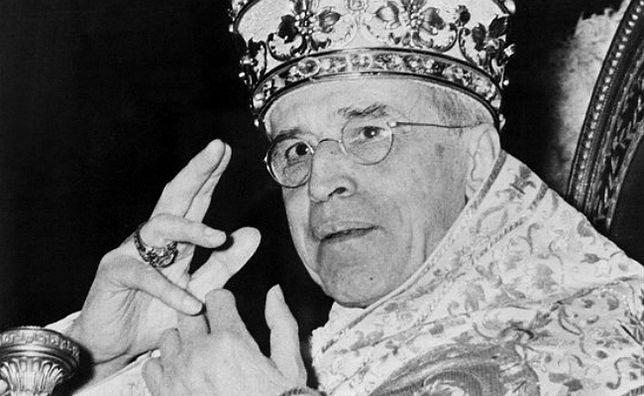 """We Włoszech burza wokół filmu o Piusie XII: """"naiwny"""", """"nie na miejscu"""", """"pisze historię na nowo"""""""