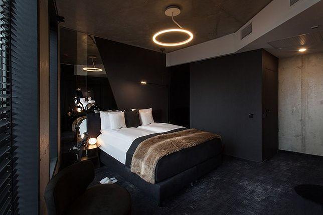 Loftowy styl, smart technologie i efekt czekolady. Klimatyczne wnętrza The Loft Hotel