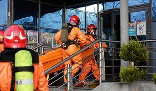 Warszawa. Ćwiczenia strażaków na budynku SKYSAWA. Sprawdzą działanie systemu podawania wody