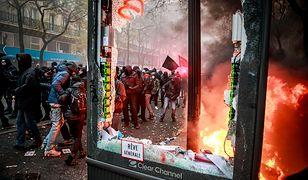 Protestanci starli się z policją w Paryżu