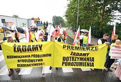 Jedyna droga na Hel zablokowana: korek do Pucka. Protesty rolników i rybaków