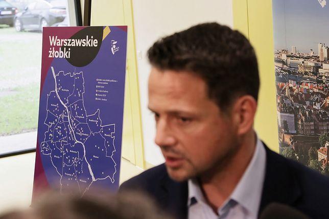 Warszawa. Prezydent Rafał Trzaskowski podczas konferencji prasowej dot. stołecznych żłobków, maj 2019 r.