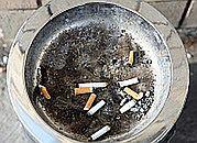 Koncerny tytoniowe zarabiają na najtańszych papierosach