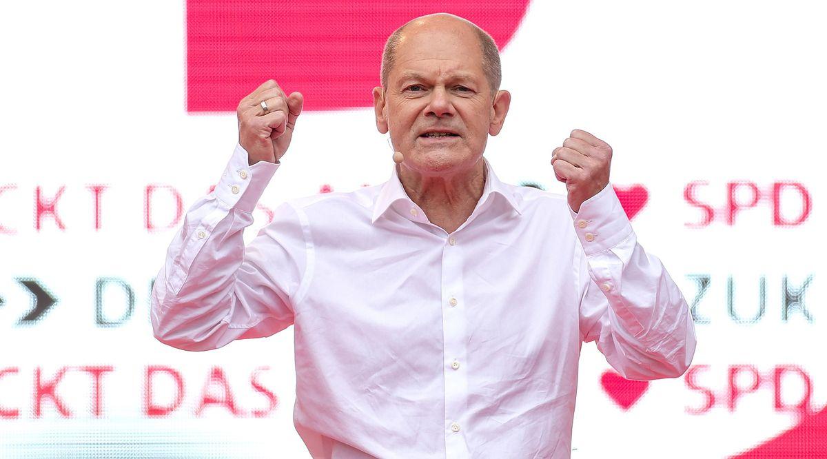 Olaf Scholz podczas kampanii wyborczej Fot. PAP/EPA/Sascha Schuermann