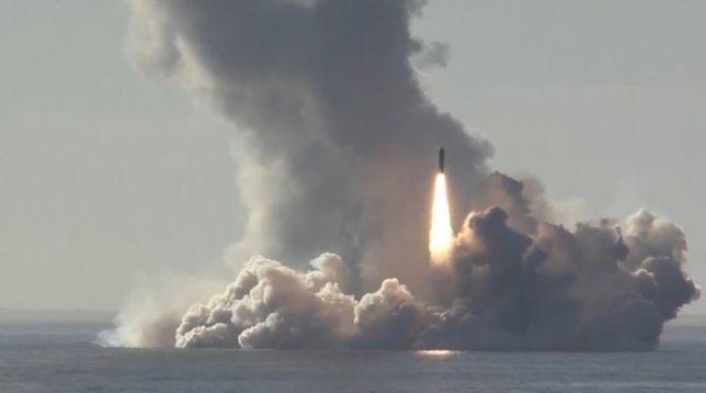Rosjanie testowali pociski RSM-56 Buława na Arktyce
