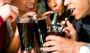 Słodkie napoje zwiększają ryzyko podwyższonego ciśnienia krwi o 70 proc.