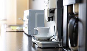 Obsługa ekspresu do kawy w nowoczesnych modelach ogranicza się do wyboru parametrów na panelu dotykowym