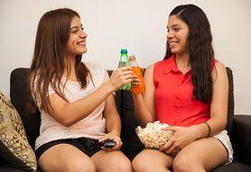 Przekonaj się, dlaczego nastolatki powinny unikać napojów gazowanych