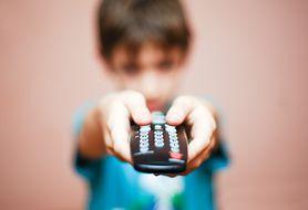 Ile czasu dziecko może spędzać przed telewizorem?