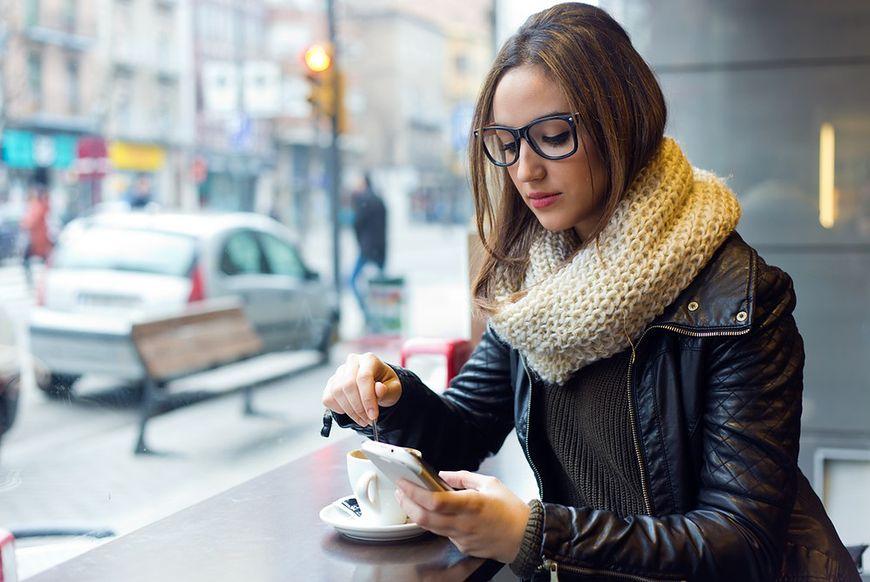 Kto odczuwa skutki korzystania ze smartfonu?