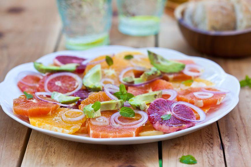 Czerwone pomarańcze w kuchni