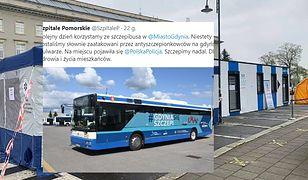 Atak antyszczepionkowców w Gdyni. Padło na mobilny punkt szczepień