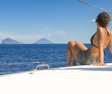 Włoskie wyspy miłości. Przyciągają turystów żądnych gorących wrażeń