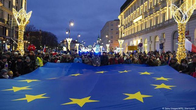 Niemieckie dzienniki: dramatyczny spór o polskie sądy