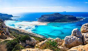 Górzysty krajobraz kreteńskiego wybrzeża zachwyca