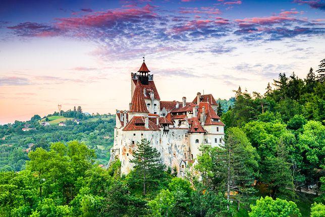 To ten zamek uchodzi za dom upiornego hrabiego