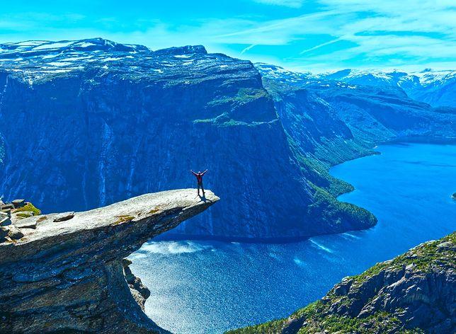 """Trolltunga, czyli """"Język Trolla"""", to jeden z największych hitów Norwegii"""