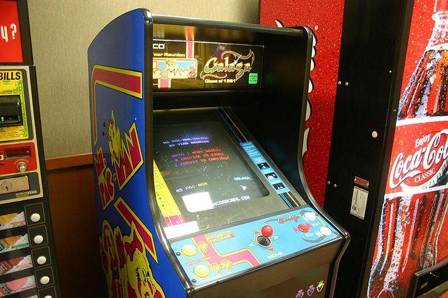 """Tak powstawała legenda - świetne wideo z fabryki """"Pac-Mana"""""""