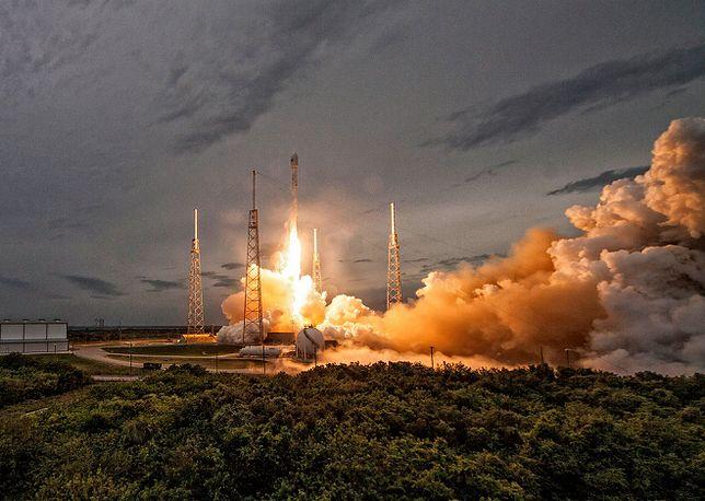Rakieta Falcon 9 eksplodowała tuż po starcie