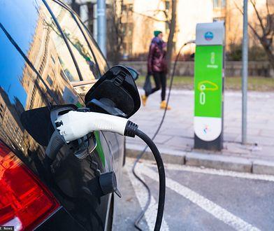 Warszawa. Liczba punktów ładowania samochodów elektrycznych ma wzrosnąć 7-krotnie.