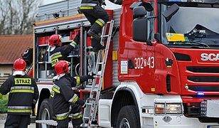 Strażacy szybko wyważyli drzwi i poradzili sobie z pożarem