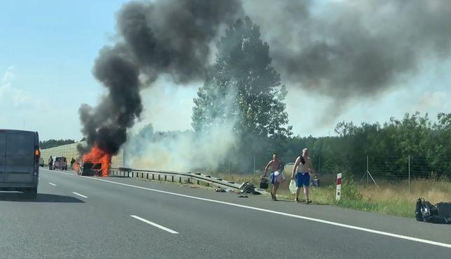 Autostrada A4. Pożar samochodu