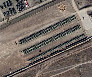 Satelitarne zdjęcie czołgów przy granicy Rosji z Ukrainą