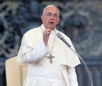 """""""Nie"""" dla żonatych mężczyzn. Papież Franciszek zdecydował"""