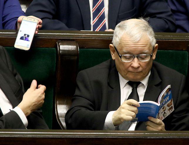 Informacja o lekturze prezesa PiS obiegła światowe media (m.in. w USA, Wielkiej Brytanii, Rosji i Namibii).