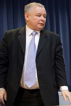 Premier: układ mógł wyeliminować L. Kaczyńskiego