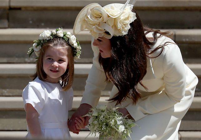 Księżniczka Charlotte z mamą
