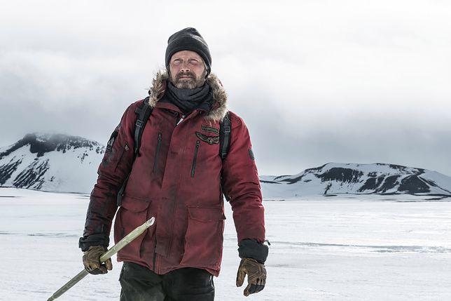 """Będzie mroźnie i niebezpiecznie. """"Arktyka"""" od 5 czerwca na DVD"""
