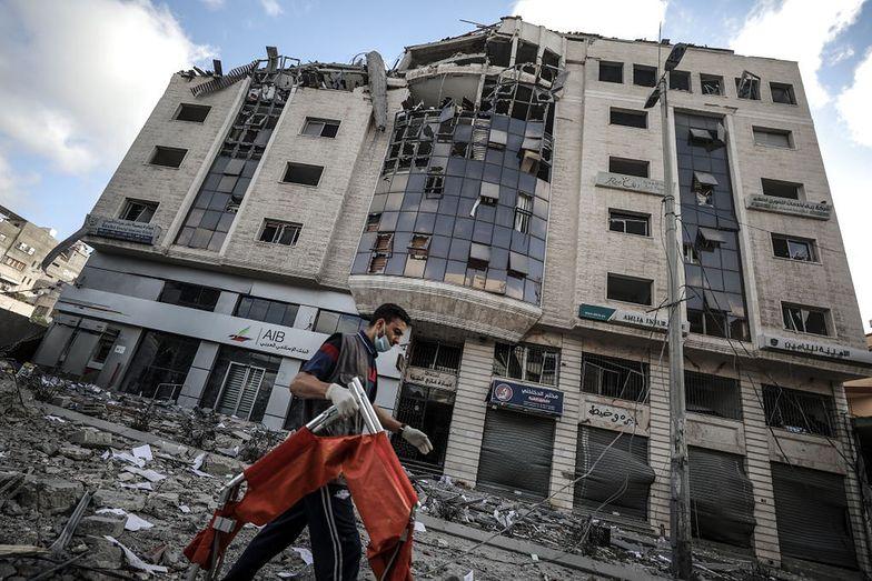 Bombardowania w Strefie Gazy. Zniszczone jedyne laboratorium COVID-19