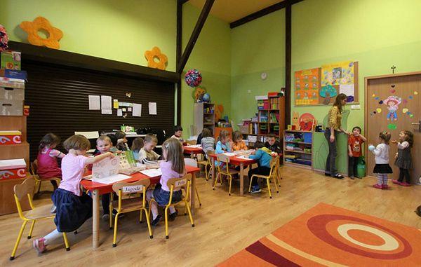 Sześciolatki zostają w przedszkolach - rodzice nie ufają zmianom