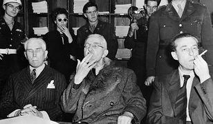 Trzej uniewinnieni w procesie norymberskim dzień po werdykcie: nazistowski dyplomata Franz von Papen, finansista Hjalmar Schacht i szef propagandy Hans Fritsche
