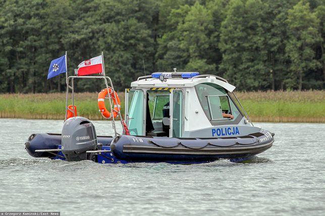 Rano z łodzi wypadło dwóch mężczyzn, dziadek i wnuk