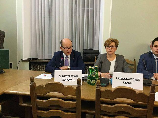 Minister zdrowia Konstanty Radziwiłł na posiedzeniu sejmowej Komisji zdrowia.