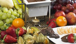 Połączenie owoców i czekolady smakuje wyśmienicie